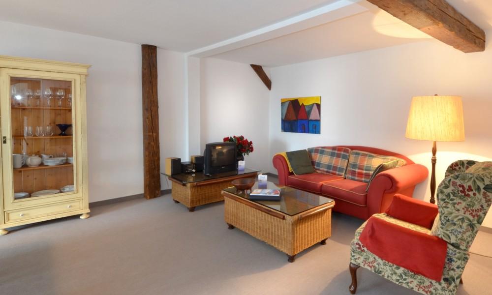 Esszimmer und Wohnbereich Wohnung 1212