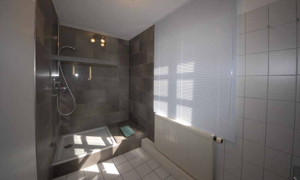 Bad- und Dusche Wohnung 1414